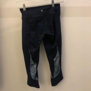 lululemon athletica Pants - Lululemon blue crop legging, sz 2, 65199